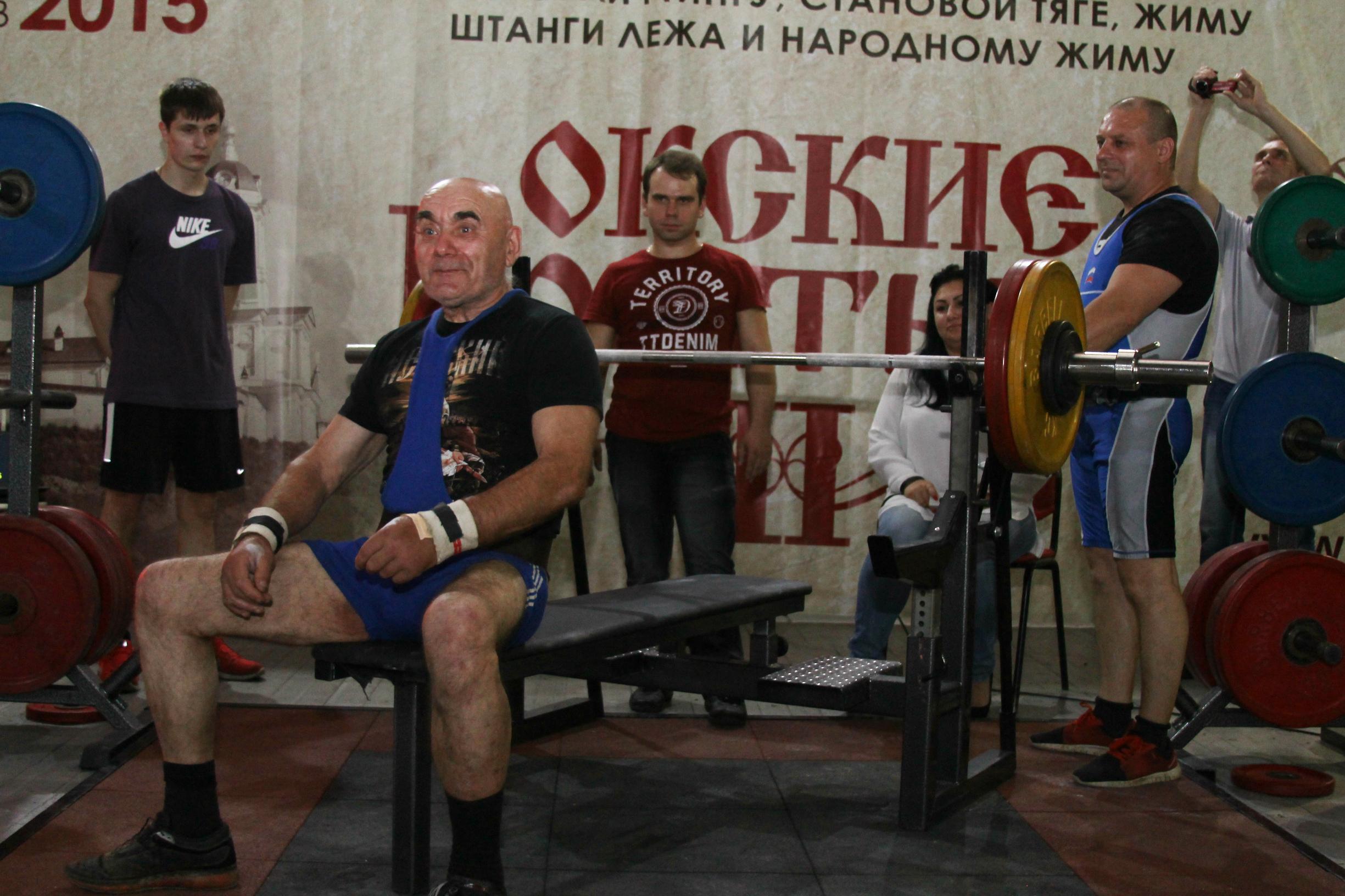 Русские девочки дрочат член ножками 14 фотография