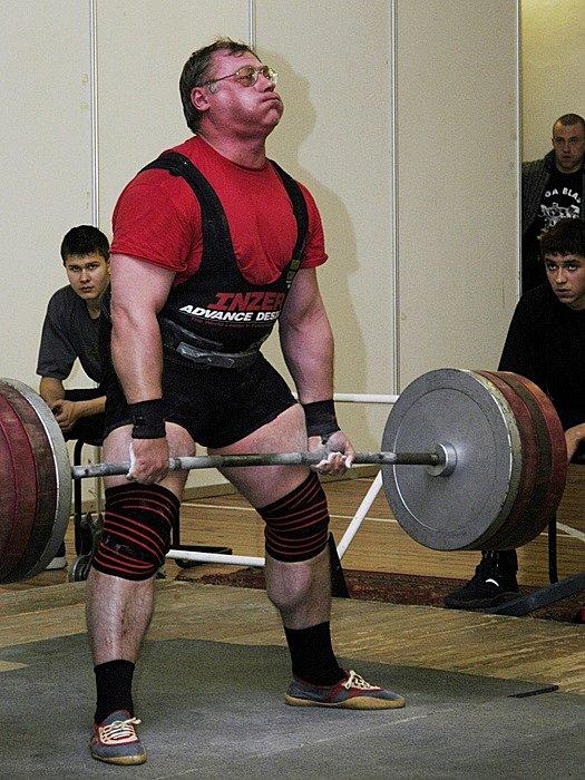 Кравцов Владимир - жми лежа 300 килограммов