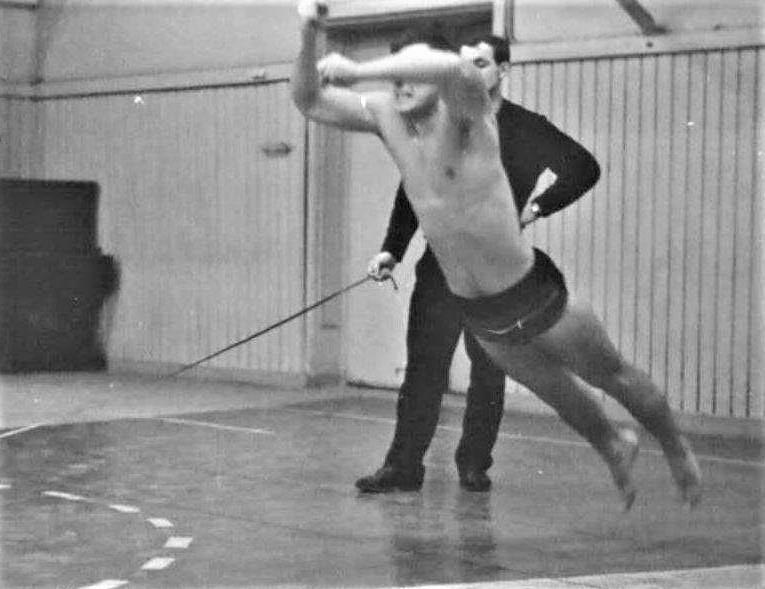 Тройной прыжок юниора (Фото из архива Арунаса Петрайтиса)