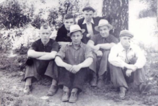 Из истории пауэрлифтинга Кузбасса: 1958 год, перед тренировкой