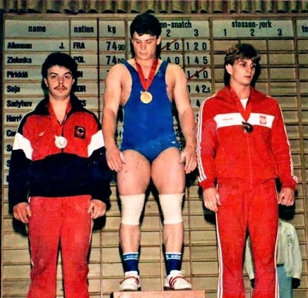 в/к до 75 кг, награждение за рывок 1 место - А. Сокачи (Румыния) 2 место - О. Садыхов (СССР) 3 место - М. Зелёнка (Польша)