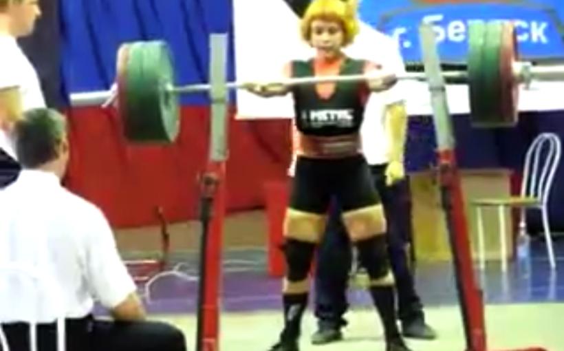 Юлия Зауголова, приседание 275 килограммов на Кубке России ФПР 2008