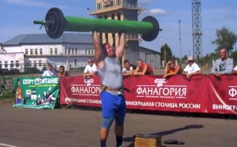 Николай Ильичёв - силовое шоу на стадионе Витязь