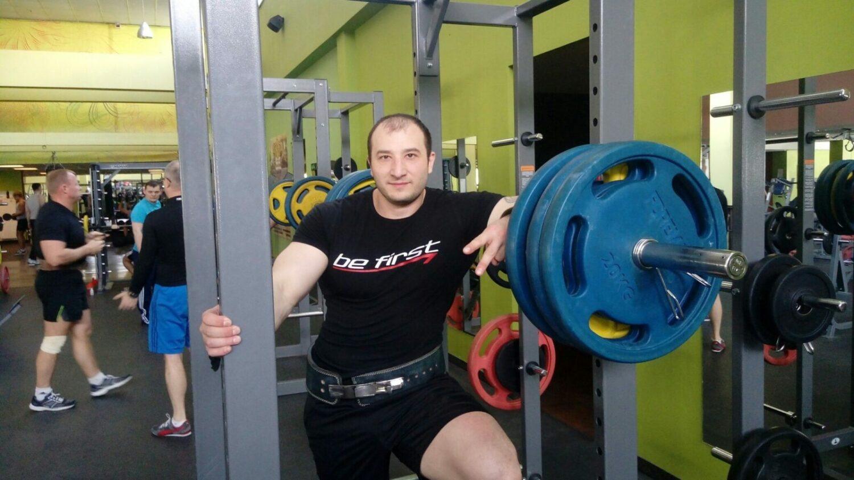 Константин Морозов в спортивном зале (2019)