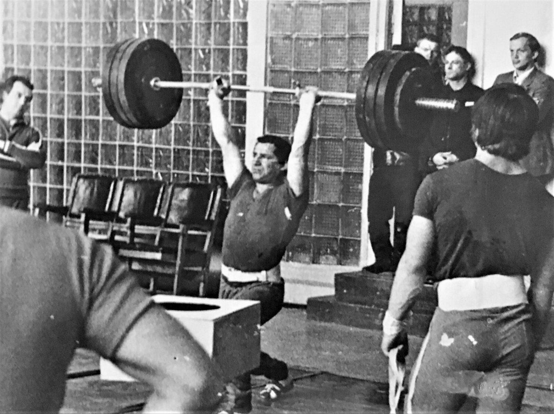 Тренировка тяжелоатлетов сборной команды СССР