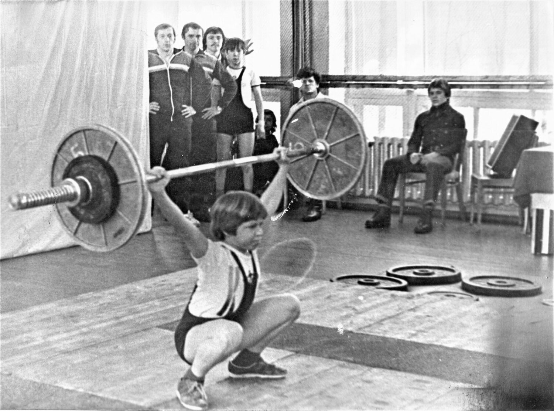 Герман Муратов рвет 45 кг