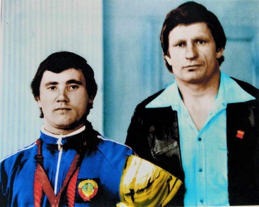 В. Мазин и его тренер Н.Н. Снегуров