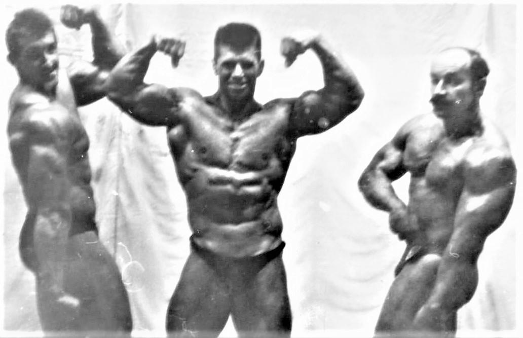 Слева – направо: Сергей Огородников – 2 место,Владимир Прошукалов - 1 место и Михаил Павинский – 3 место